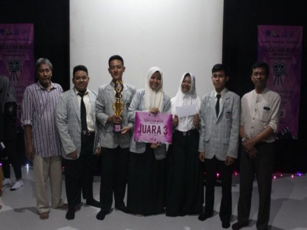 "JUARA ""EDUCATION MOVIE"""