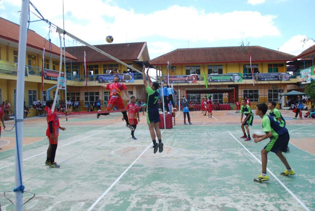 Atlet Voli SMP Malang Raya Junjung Sportivitas dalam SMANAS Cup 2020 18