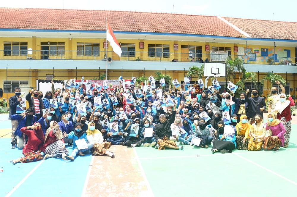 Penganugerahan Alumni Berprestasi SMANAS dalam Cangkrukan Bung Tomo di Hari Sumpah Pemuda 14