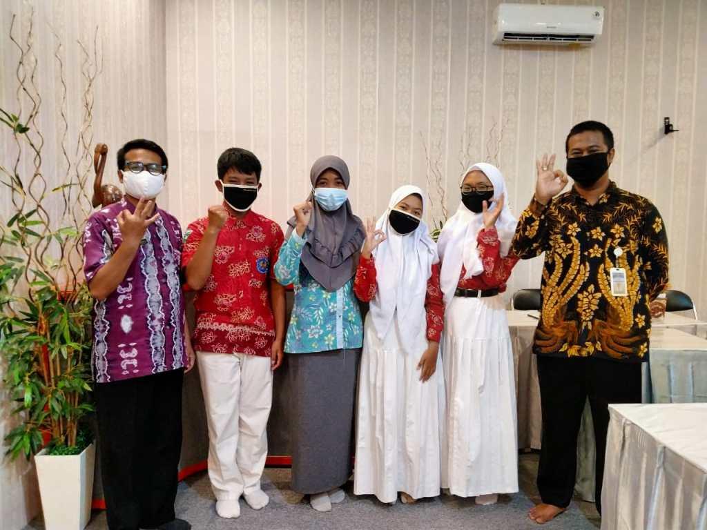 Tim Debat SMANAS Unjuk Gigi, Lambungkan SMANAS di Tingkat Nasional 1
