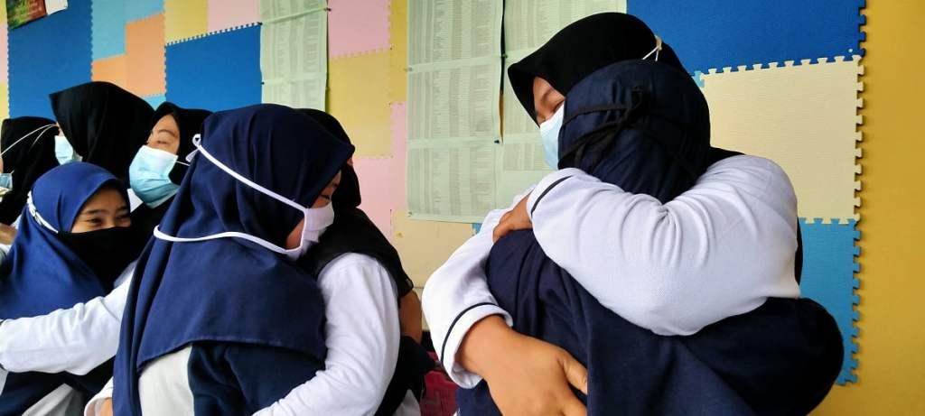 Hari Guru di SMANAS: Terima Kasih, Kami Terkejut dan Terharu 4