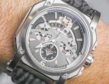 Visconti W105 2 squared chronograph watch