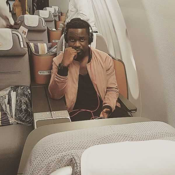 PHOTOS: Sarkodie Finally Arrives In Ghana In President's Private Jet