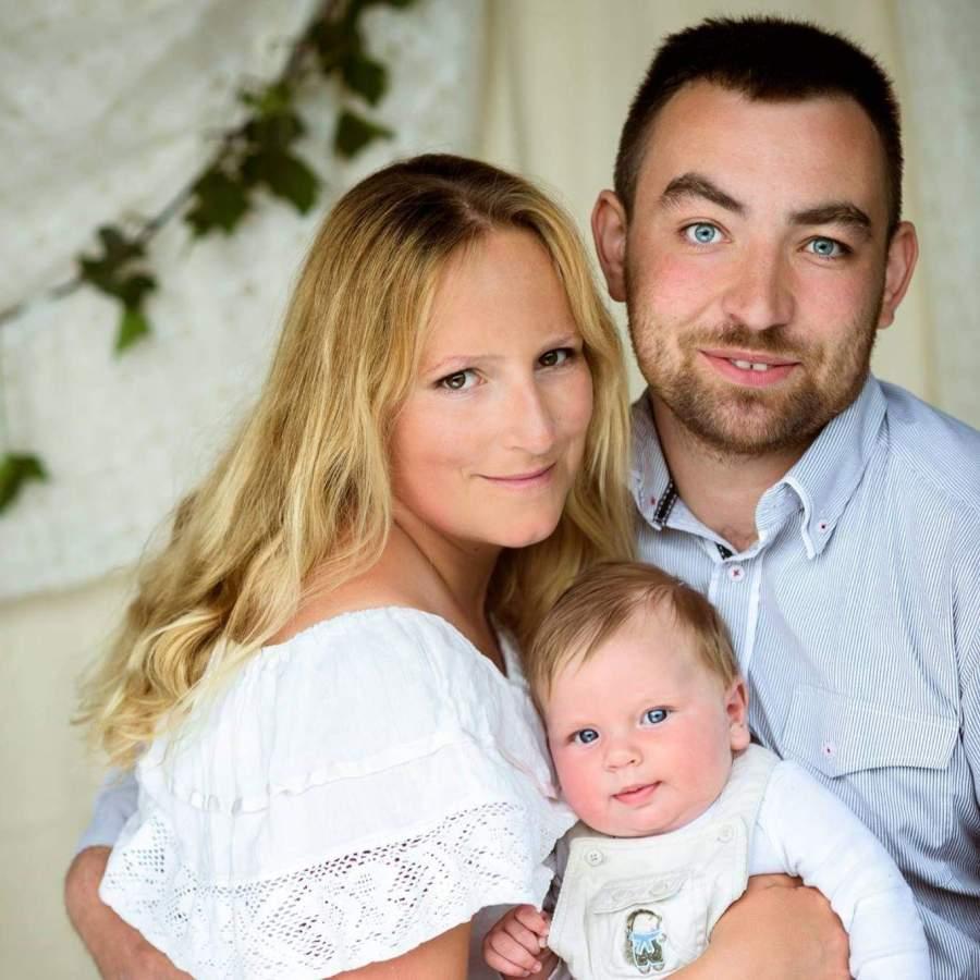 Magdalena Karpińska z mężem i synem
