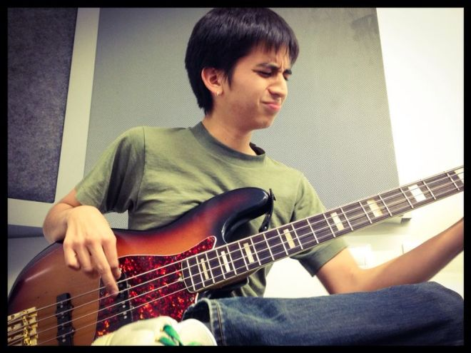 I'm Daniel Toledo and this is How I Play - Smart Bass Guitar