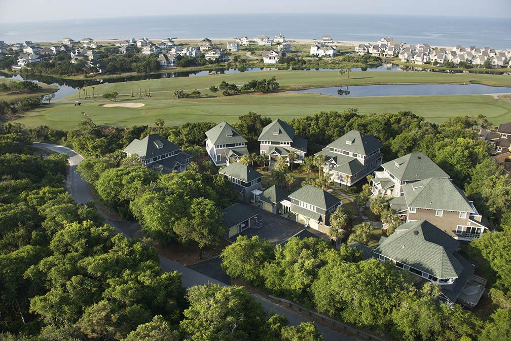Fore! Understanding the Pros and Cons of Buying a Home on a Golf Course