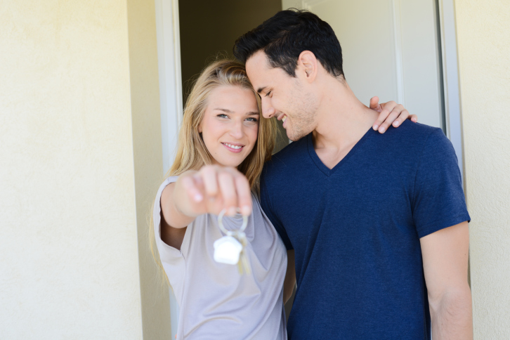 Going Low: How to Submit an Offer Below the Asking Price Without Spooking the Seller