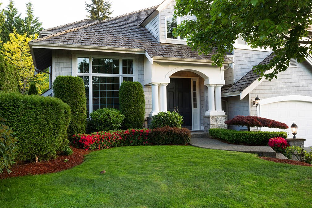 Spring Staging Tips: Using Your Lawn and Flower Beds to Boost Your Curb Appeal