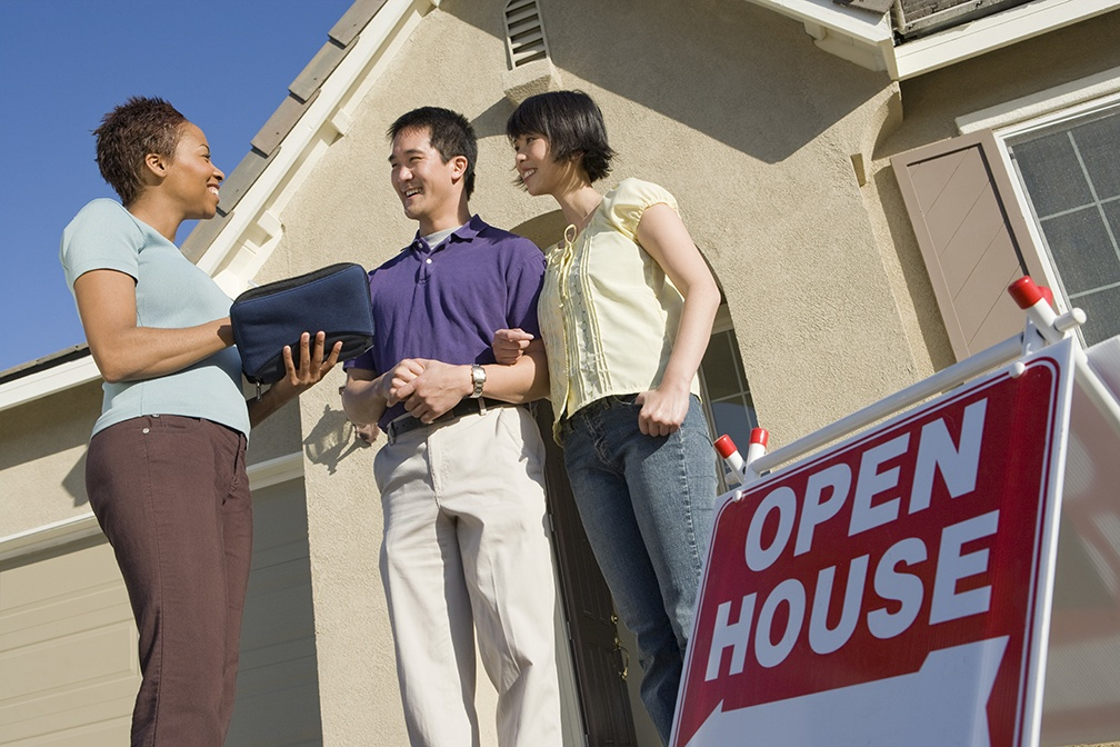 To Stay or to Go: Should You Hang Around During Your Open House?