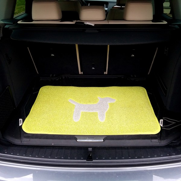 Modern-Dog-Mat-Lemon-Lime-BMW-Car-Trunk