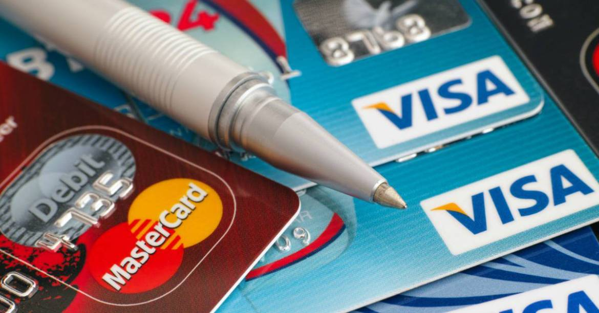 how to put your credit card rewards to work. Credit card reward programs can be confusing. These tips will help you to know more about how credit card rewards programs work and how to get the most out of them! Use your credit card rewards points, miles or cash back to travel, presents, purchases or for your dream vacation.