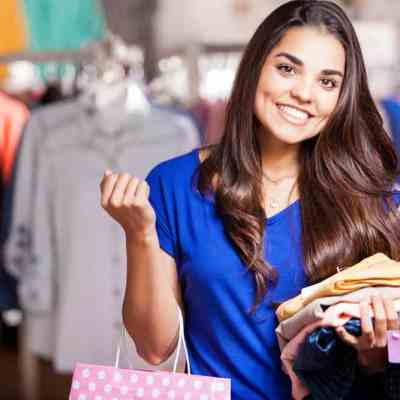 10 Easy Ways to Save Money on Clothes (Never Pay Retail Price!)