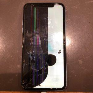 iPhoneXR 液晶漏れ