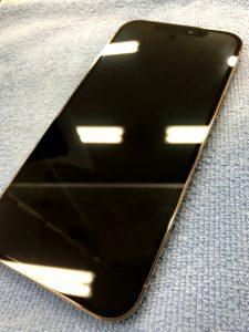 ガラスコーティングをしたiPhone12ProMAX