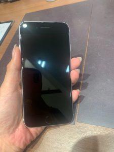 ガラスコーティングを施工したiPhoneSE(2020)
