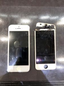 iPhone5の画面割れ修理