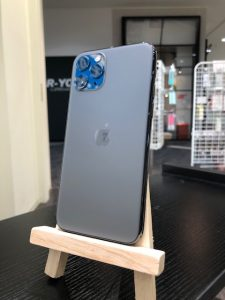 iPhone11プロのスマホガラスコーティング