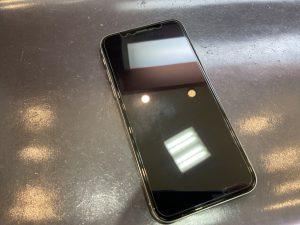 ガラスフィルムを貼ったiPhoneX、アイホン10