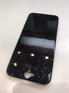 iphoneSE2の画面割れ修理