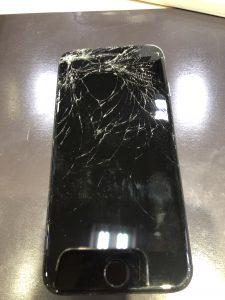 iPhone画面割れ