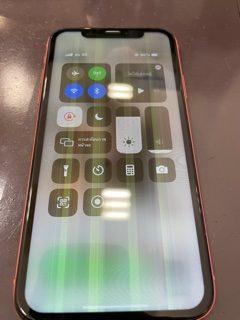 画面に線が・・そんなことってある・・😂😂/iPhoneXR/画面交換