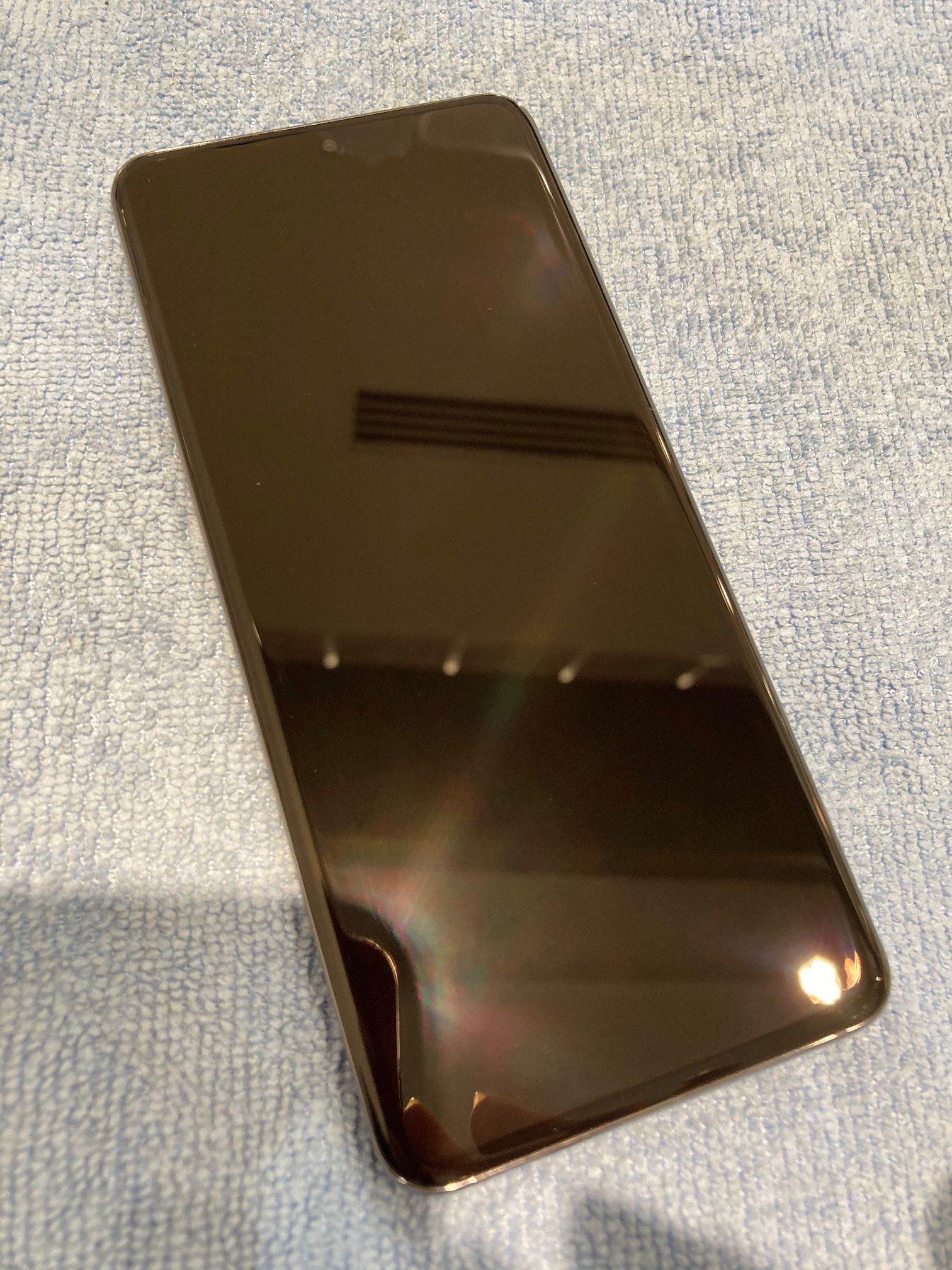 Android・iPhoneどんな機種にも対応!今大人気のガラスコーティングを10分で施工いたします!