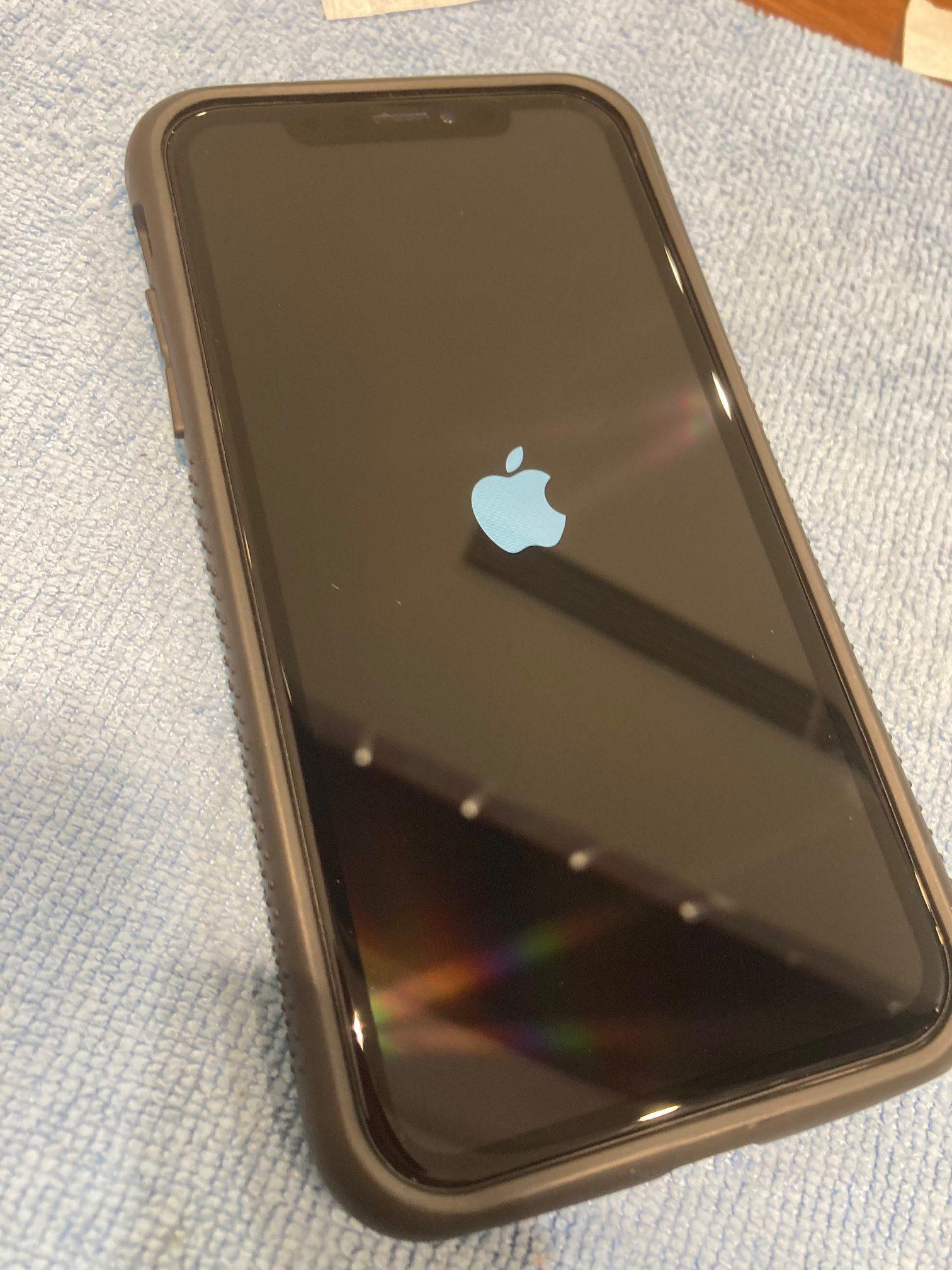 iPhone11proにガラスコーティングの施工を行いました!!塗る画面保護は施工時間最短10分!!