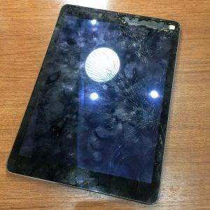 iPadAir2画面割れお安く修理出来ます!!明日16日OPENです【姉妹店修理速報】