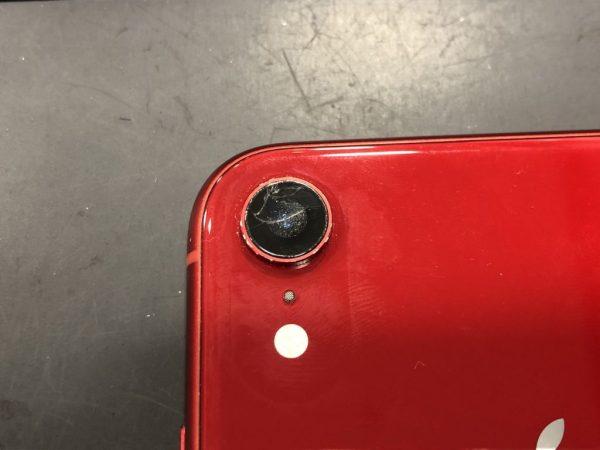 iPhoneXR レンズカバー割れ 拡大画