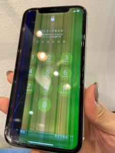 iPhoneX画面に線が入っていたけど、そのまま使ってたら、勝手に動きだした!【スマートクール・イオンモール津山】6/16日オープン!!