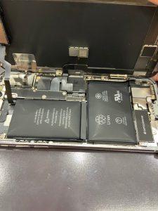 iPhoneのバッテリー減りが早い!だけではなく膨張など危険な状態になってしまうことも……。【スマートクール・イオンモール津山】6/16日オープン