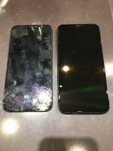 割れた画面と、画面交換をしたiPhoneXSの写真