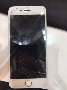 iphone6sの画面割れとカメラの修理