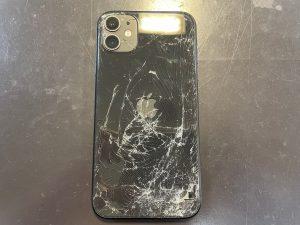 iPhone11 背面修理