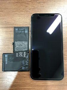 iPhoneXのバッテリー交換とガラスコーティング