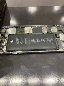 iPhone6 膨張したバッテリー