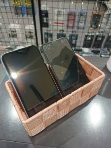修理後のアイフォン 画面交換