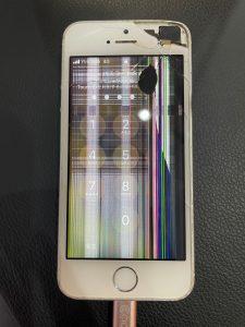 ガラスが割れて液晶に不具合が出ているiPhoneSE