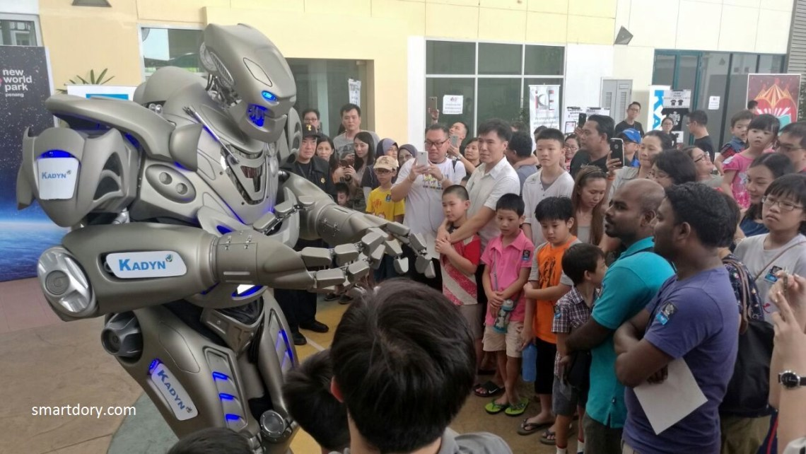 Titan interacting with the audience.