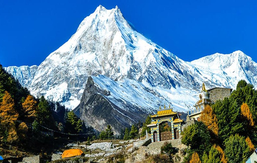 10 Reasons to Trek Annapurna and Everest Region Nepal_The Buddhist monastery