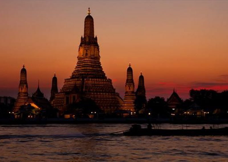 Bangkok's Landmark Temple of Dawn (Wat Arun), Thailand