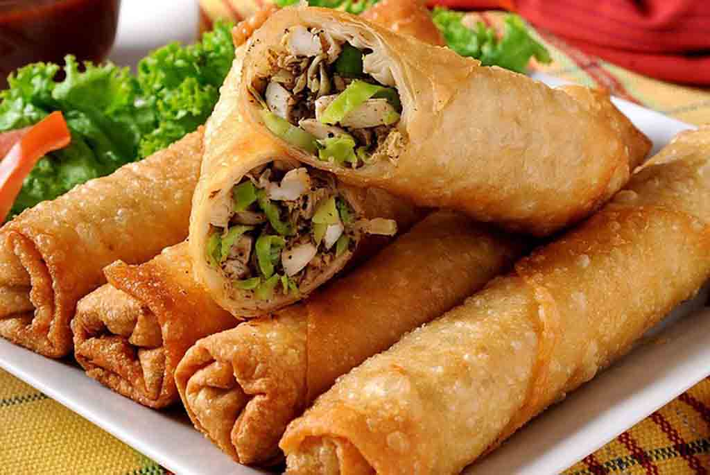 8 Chinese New Year Lucky Foods Symbolism For Prosperity_Spring Rolls