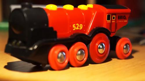 Rote Lola von Brio elektrische Spielzeug Eisenbahn Lokomotive reparieren