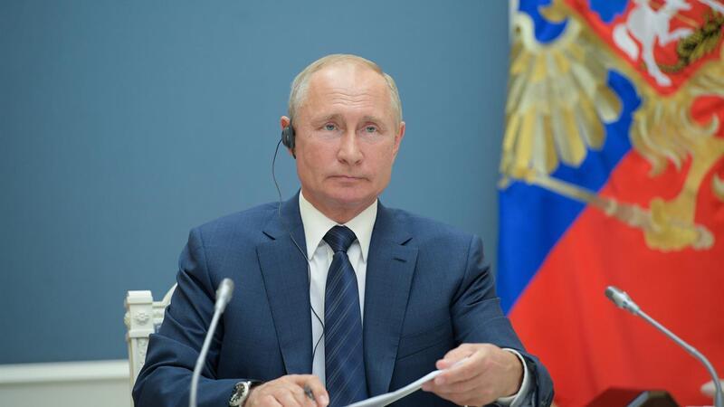 Aprovadas mudanças constitucionais que permitem Putin no poder até 2036