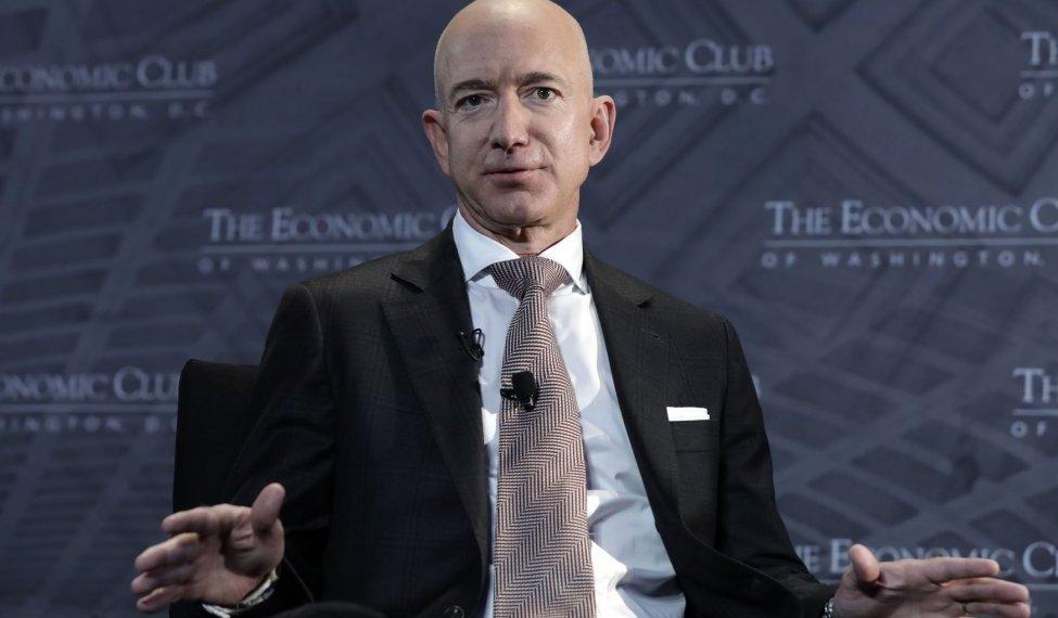 Jeff Bezos deixará o cargo de presidente-executivo da Amazon