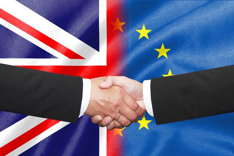 Brexit: acordo comercial entre UE e Reino Unido aprovado. Entra em vigor a 1 de maio