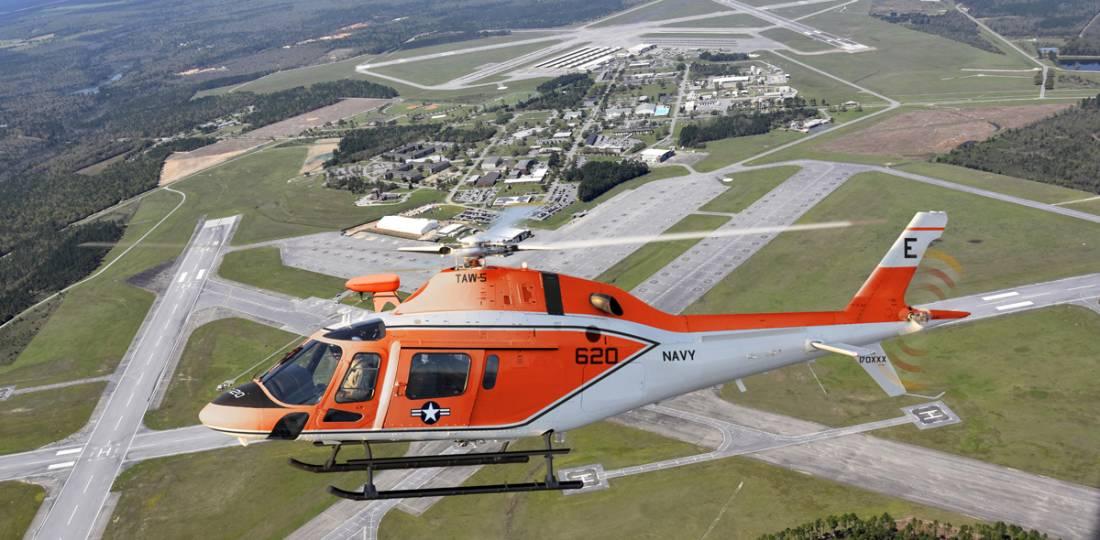 Leonardo entrega o primeiro TH-73A de treino da Marinha dos EUA