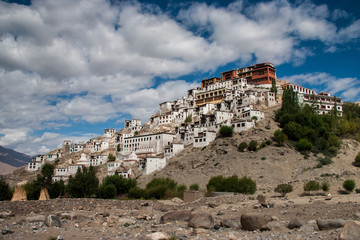 Leh by Andrew Harvey: Questions, Summary