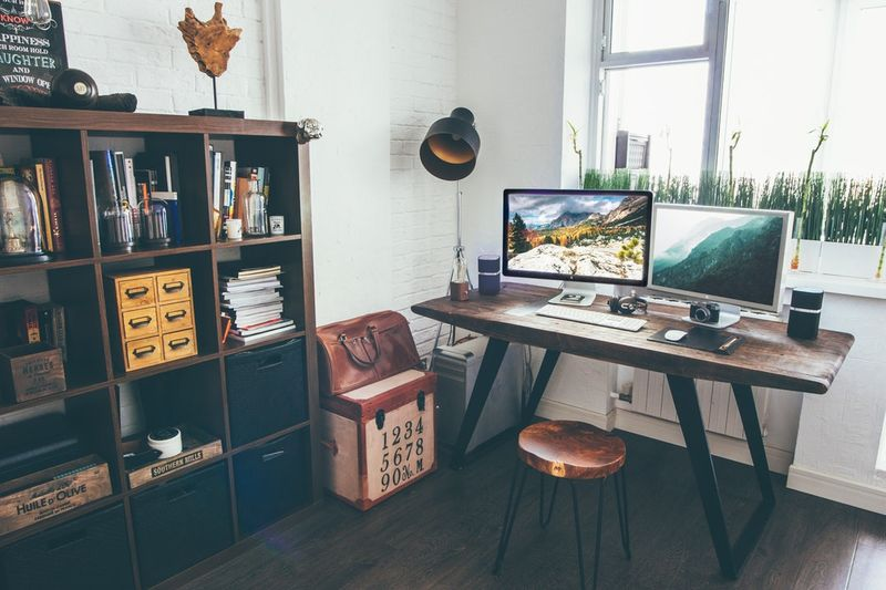 ideal work place for different entrepreneur types - smartentrepreneurblog