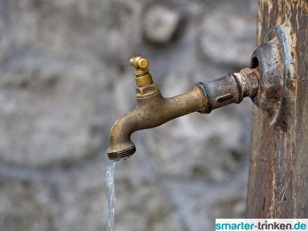 Was tun, wenn Leitungswasser seltsam ausschaut oder schmeckt?